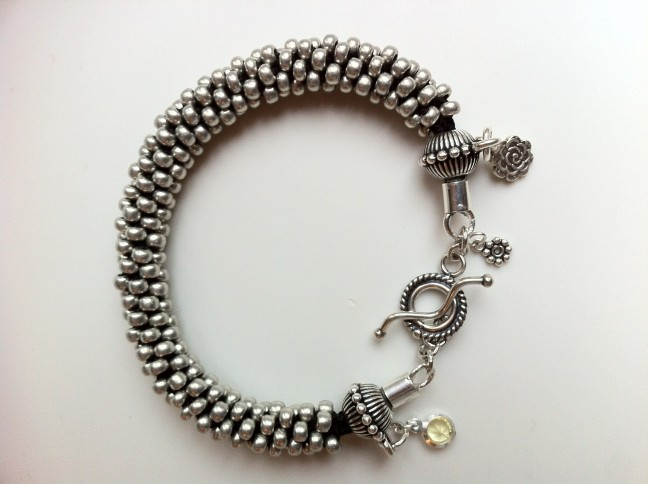 Perles Et Argent Kumihimo Kumihimo Kumihimo Perles Metal Et Argent Perles Metal TcFlK13J